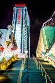 Stairs and the Trump Taj Mahal at night in Atlantic City, New Je — Stock Photo