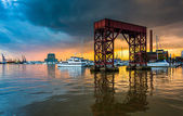 Sunset on the waterfront in Canton, Baltimore, Maryland.  — Stock Photo