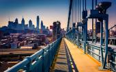 Die ben franklin brücke gehweg und die skyline in philadelphia, pe — Stockfoto
