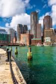 El horizonte de boston, visto desde el punto de fuerte. — Foto de Stock