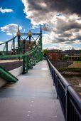 The Northampton Street Bridge over the Delaware River in Easton, — Stock Photo