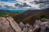 View from the boulder-covered summit of Blackrock in Shenandoah — Stock Photo