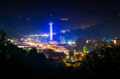 View of Gatlinburg at night, seen from Foothills Parkway in Grea — Stock Photo