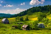 View of a farm in the rural Potomac Highlands of West Virginia.  — Stock Photo