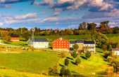 View of barn and houses on a farm in rural York County, Pennsylv — Stock Photo