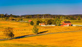 View of barns and farm fields from Longstreet Observation Tower  — Stock Photo