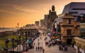 View of the boardwalk at sunset, in Atlantic City, New Jersey.  — Stock Photo