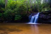 Cascata sul torrente carrick, tabella rock state Park, caro sud — Foto Stock