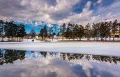 Winter reflections at Kiwanis Lake, in York, Pennsylvania. — Stock Photo