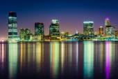 The Jersey City Skyline at night, seen from Pier 34, Manhattan,  — Stock Photo