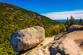 Balanced Rock, at South Bubble, in Acadia National Park, Maine.  — Stock Photo