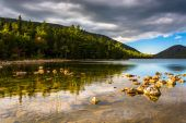 Evening light at Jordan Pond in Acadia National Park, Maine.  — Stock Photo