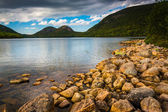Jordan Pond and view of the Bubbles in Acadia National Park, Mai — Stock Photo