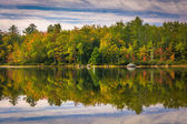 Early autumn reflections at Toddy Pond, near Orland, Maine.  — Stockfoto