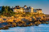 Mansion on a cliff at Cape Neddick, York, Maine. — Stock fotografie
