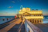 Evening light on the pier in Daytona Beach, Florida. — Stock fotografie