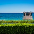 Lifeguard station and the Atlantic Ocean in Palm Beach, Florida. — Stock Photo #58479281