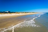 View of the beach from the fishing pier at Tybee Island, Georgia — Stock Photo