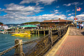 Walkway and view of the harbor in Bar Harbor, Maine. — Stockfoto