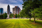 Trees and buildings in Charlotte, North Carolina. — Stock Photo