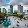View of modern buildings and Shoreline Drive in Long Beach, Cali — Stock Photo #66156652