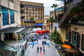Hollywood and Highland Center and view of Hollywood Boulevard, i — Stock Photo