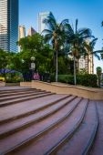 Steps and buildings at Pershing Square, in downtown Los Angeles, — Stock Photo