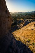 Rocks and view of Vasquez Rocks County Park, in Agua Dulce, Cali — Stock Photo