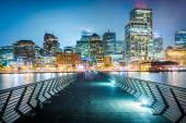 Pier 14 and buildings along the waterfront at night, at the Emba — Stock Photo