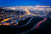Twin Peaks Boulevard and view of San Francisco at night, from Tw — Stock Photo
