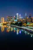 The Philadelphia skyline and Schuylkill River at night, seen fro — Stock Photo