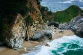View of McWay Falls, at Julia Pfeiffer Burns State Park, Big Sur — Stock Photo