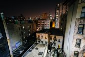 View of buildings in the Lower East Side from the Manhattan Brid — Stock Photo