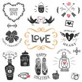 Vintage decorative love badges with lettering — Vector de stock