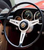 VINTAGE CAR ALFA ROMEO — Stock Photo