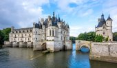 Chateau of Chenonceau with river Cher — Foto de Stock