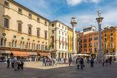 Piazza Signiori with columns in Vicenza — Stock Photo