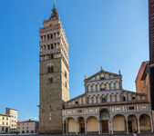 The Bell Tower with the Cathedral in Pistoia. — Stock Photo