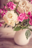 Roses in a vase — Stock Photo