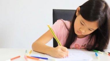 Aziatische meisje tekening — Stockvideo