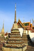Autêntica arquitectura tailandesa em wat pho em bangkok de Tailândia. — Fotografia Stock
