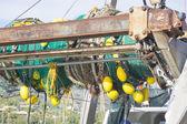 Fischnetz auf boot — Stockfoto