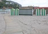 Kleines Gebäude am Strand — Stockfoto