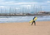 Surfer with board — Zdjęcie stockowe