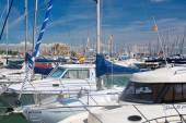 Domkyrkan sett genom yacht-Master på Paseo Maritimo — Stockfoto