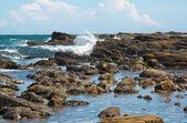 Paisaje de costa rocosa — Foto de Stock
