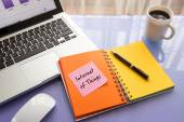 Message note on paper with word Internet of Things — Stock Photo
