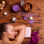 Relaxing spa treatments — Stock Photo
