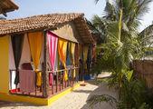 Cottage house in a resort on the coast of the Arabian Sea, Goa, India. — Stock Photo