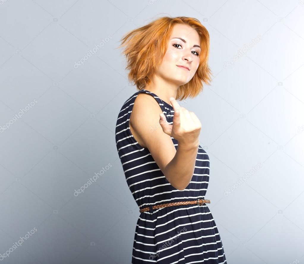 Ektepar i langt fast forhold søker ei jente til å realise Øyfjordvær